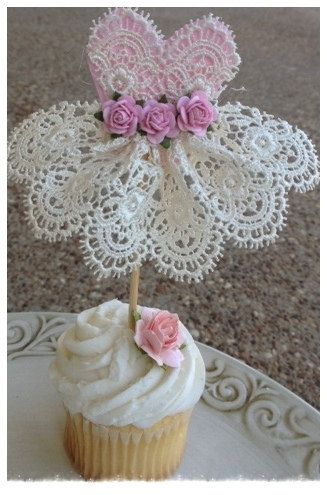 Beautiful Lace Dress Cupcake Topper for Birthday por JeanKnee