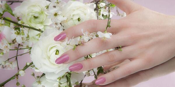 Le unghie a primavera?Colori pastello e smalto come lo zucchero filato. Nailart by Estrosa