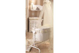 La culla in ferro Queen Diamante della Picci rende fiabesco il sonno dei tuoi bambini con un rivestimento firmato #Swarowski!  #bambini #diamente #culla #casa #house #interiors #arredamento #infanzia
