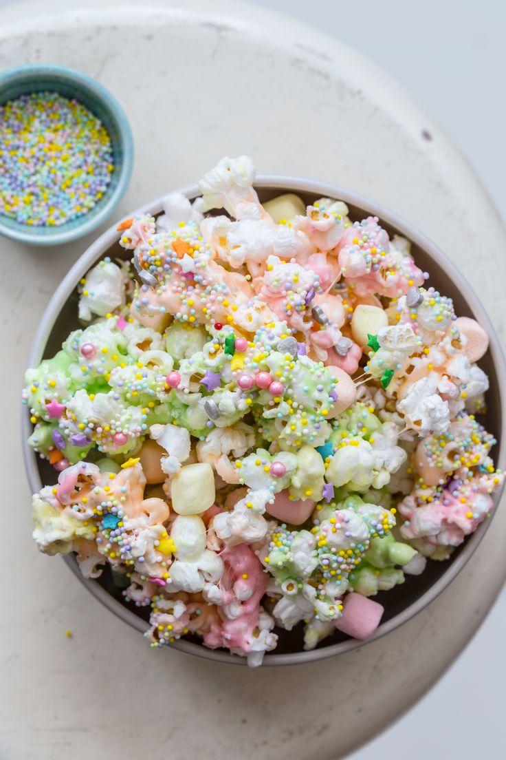 Unicorn Marshmallow Popcorn from @jellytoastboard