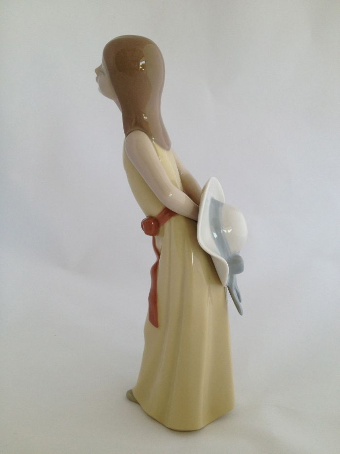 Lladro 5006 Naughty Girl With Straw Hat Lladro I D Love