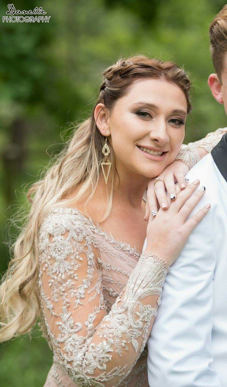 Prom make-up and hair https://www.facebook.com/elpmakemeup/
