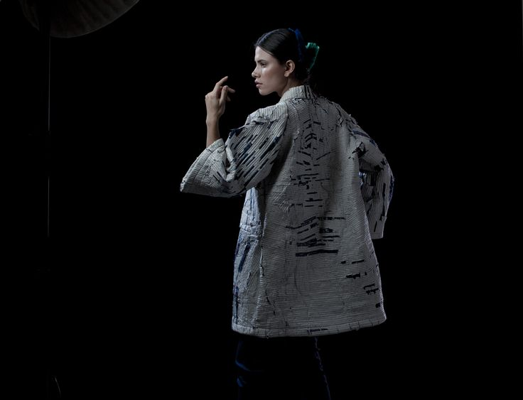 """Marmato"" Por: Miguel Mesa Posada Modelo: Marcela Tano PH: Estudio Silva/Moreno"