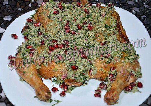 Курица по-кобулетски с зеленью, гранатом и грецкими орехами
