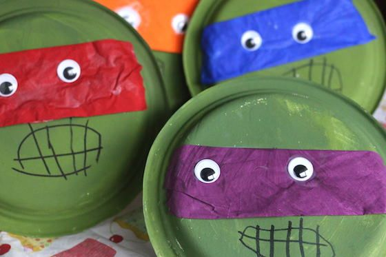 Paper Plate Ninja Turtle Craft - an easy preschool craft to go along with the letter N or the letter T, or just a great craft for kids who are TMNT fans! - Happy Hooligans