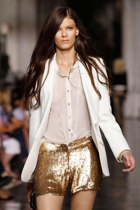 yes x 1,000: Gold Sequin Shorts, Fashion, Style, Runway, Gold Shorts, Sequined Shorts, Sparkle, Golden Shorts, Wear
