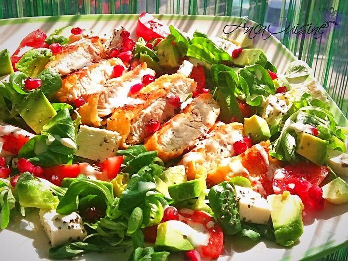 Salata de valeriana cu piept de curcan si dressing de iaurt