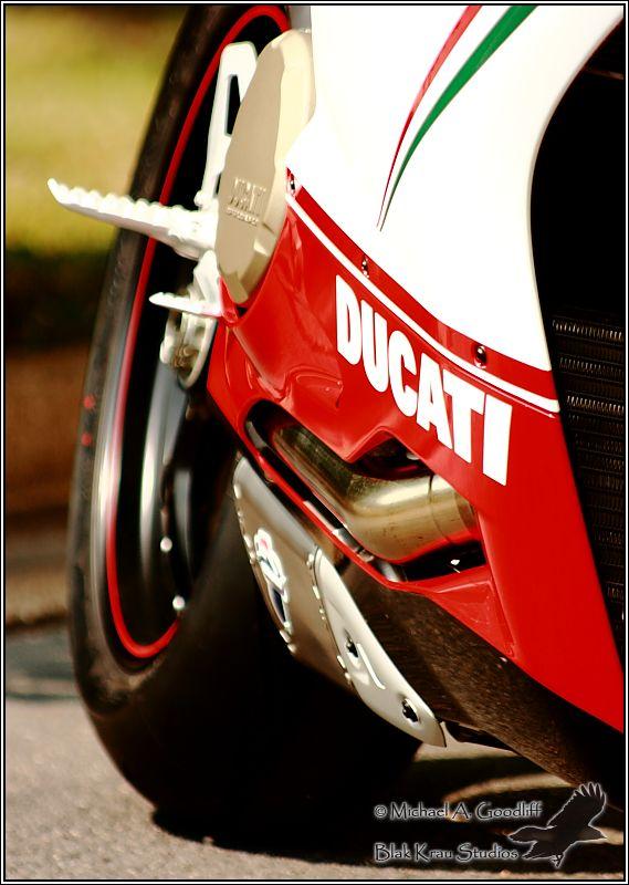 Ducati 1199 Panigale Tricolore