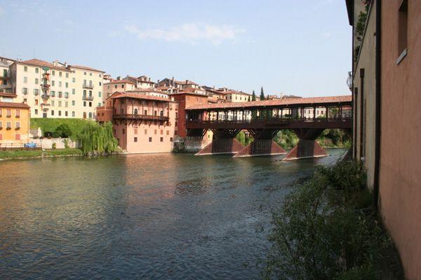Veduta del Ponte Vecchio di Bassano
