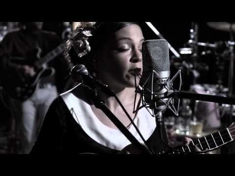 ▶ Natalia Lafourcade - Si No Pueden Quererte ft. Leonardo de Lozanne - YouTube