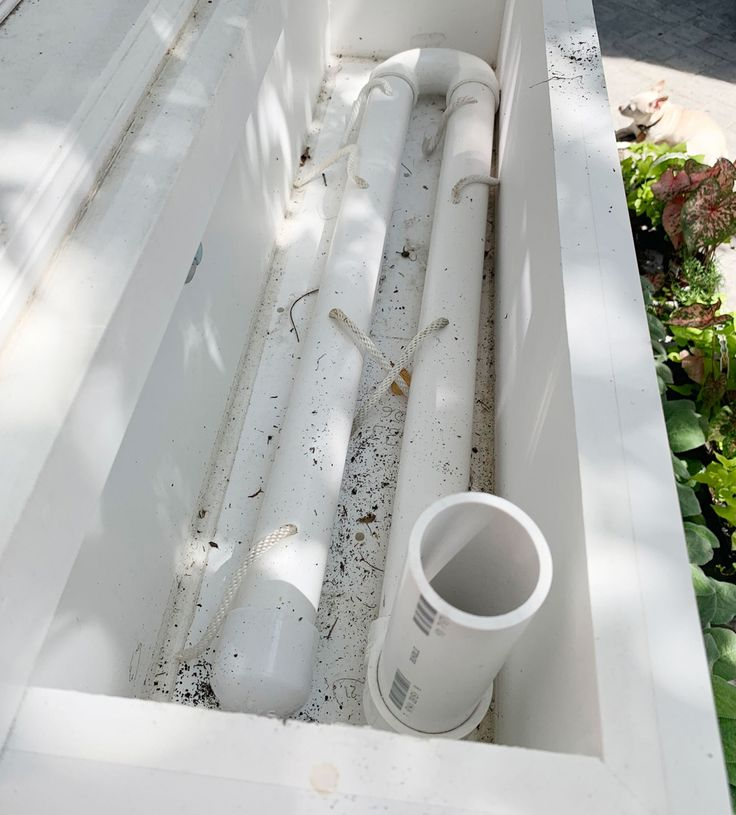 Diy selfwatering system window box rain water