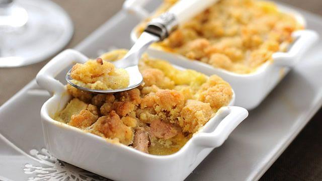 Crumble de foie gras aux pommes _ Recette de Blog _ http://www.cuisineaz.com/dossiers/cuisine/foie-gras-aperitif-noel-13974.aspx