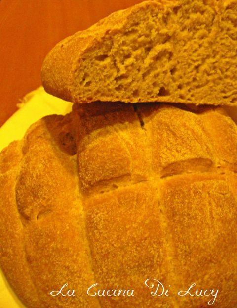 Pane integrale alla pasta madre.