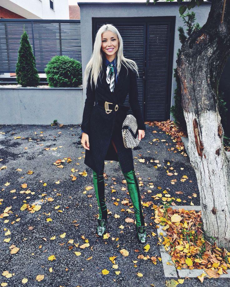 My look for today #streetstyle #velvetboots #emerald #velvet   www.alinaceusan.net