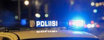 """Poliisi """"väärentää"""" telekuuntelu materiaalia, suorittaa """"laitonta"""" telekuuntelua jatkuvasti ja asianajia salakuunnellaan..ym..."""
