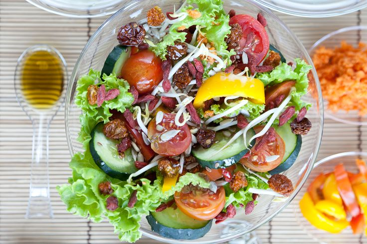 Insalate di bacche dei Prodigi della Terra e verdura  #vegan #vegetariano #health #salute #ricette #light