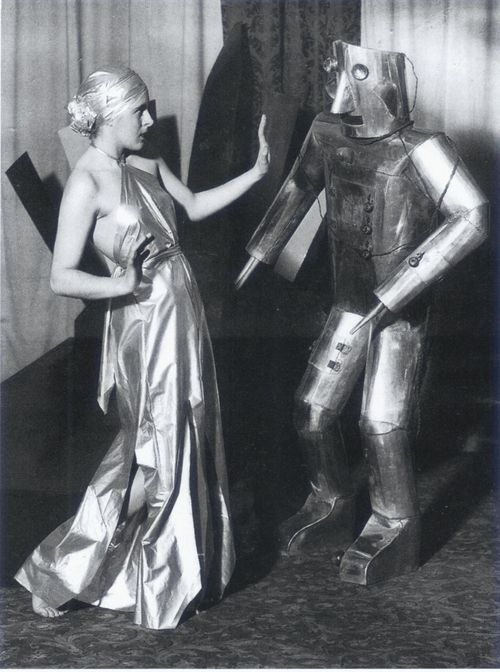 Robot / Retro Futureism