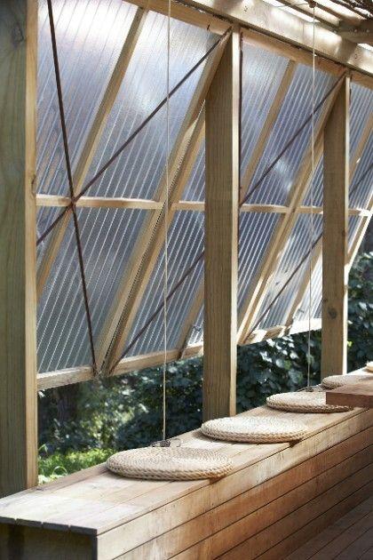 Rustikaler Pavillon im Freien   – Sobi Slingsby