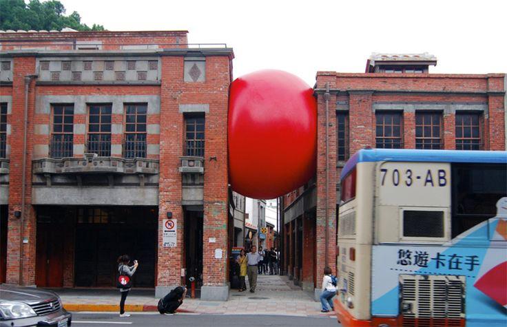 kurt perschke  red ball project in taipei, ongoing  from 'going public', copyright gestalten, 2012