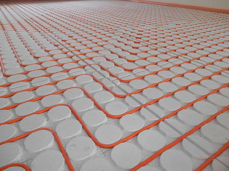 Kant-en-klare vloerverwarming die zeer snel weer begaanbaar is en zonder vuiligheid te leggen is.