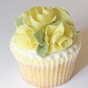 Edible pale yellow rose bouquet cake decoration, fondant rose posie for wedding cake topper, big cupcake topper, gumpaste flowers yellow