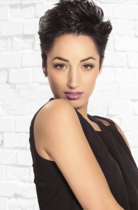 Nieuwe inspiratie voor dames met donker bruin tot zwart haar! 10 trendy korte kapsels die prachtig staan met een hele donkere haarkleur - Kapsels voor haar