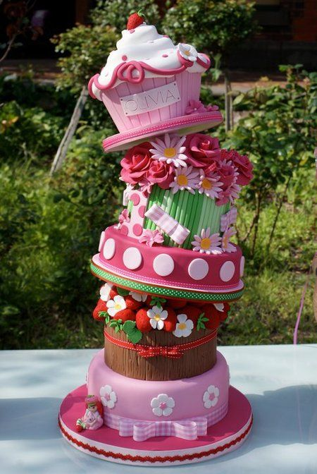 Topsy-turvy flower cake: Pink Cakes, Amazing Cakes, Giant Cupcakes, Cupcakes Cak, Pink Birthday, Girls Cakes, Strawberries Shortcake, Crazy Cakes, Birthday Cakes