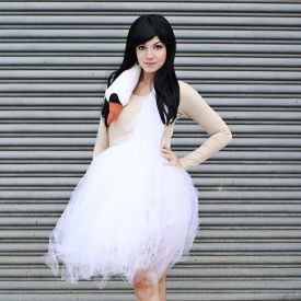 Make your own swan dress with this easy to understand tutorial!