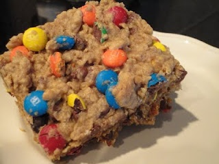 MONSTER Cookie Bars!: Chocolates Chips, S'More Bar, Bar Recipe, Domestic Duchess, Monsters Bar, Monsters Cookies Bar, Baking, Peanut Butter, Monster Cookie Bars
