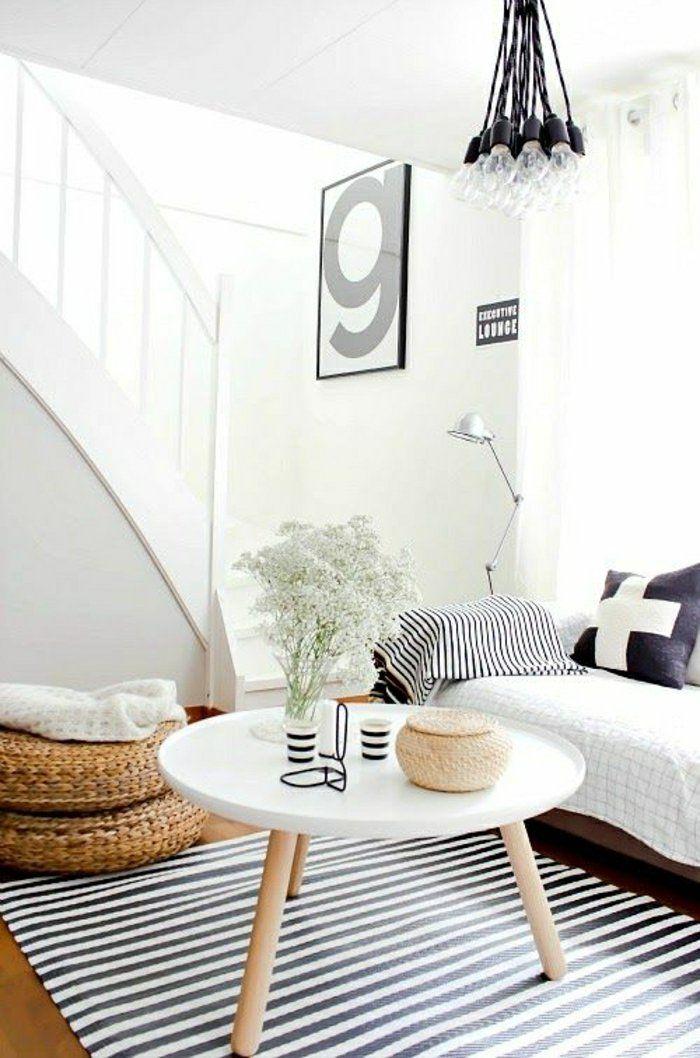 2-un-joli-salle-de-séjour-avec-tapis-à-rayures-blanches-noirs-intérieurs-scandinaves-avec-meuble-norvegien.jpg (700×1058)