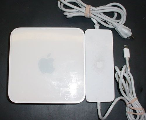 Model: A1283. Specs:(1) Intel Core 2 Duo 2.53Ghz Processor. 4GB Memory. You will receive ONE Apple Mac Mini Desktop PC. CONDITION:This Mac Mini has been tested to power on, check the specs, use wireless internet, and play a dvd.