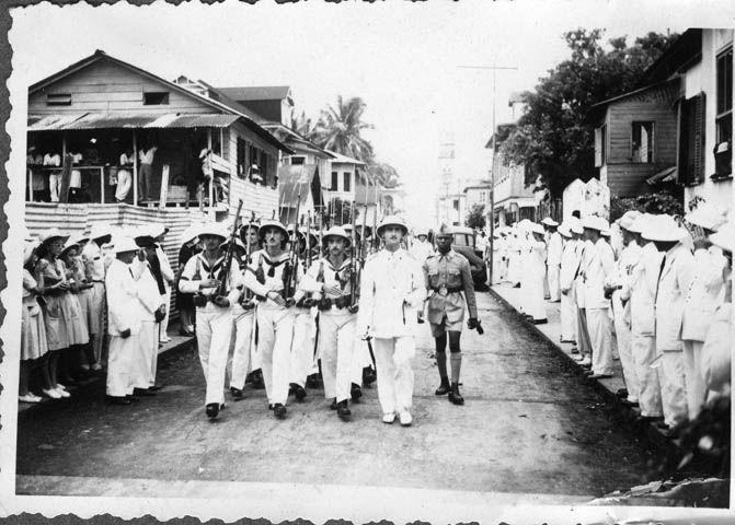 LAS FUERZAS ARMADAS EN GUINEA.BREVE HISTORIA Notapor MENCEY el Jue 23 Mar 2017 0:09  Armada, Fernando Poo, años 40 ( Fuente Fotos: Archivo General Region de Murcia).