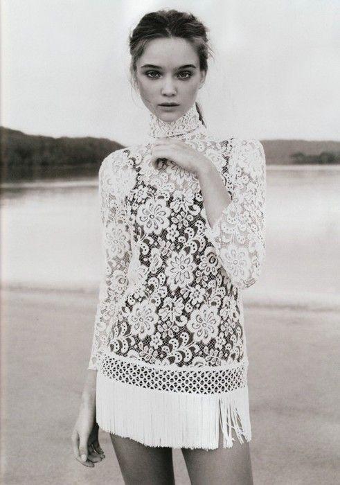 ..Minis Dresses, Flappers Dresses, Fashion Shoes, Lace Tops, Vogue Australia, Girls Fashion, Girls Shoes, Lace Clothing, Lace Dresses