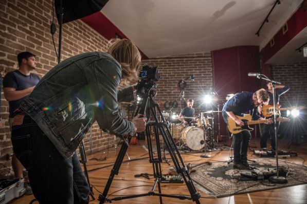 How to shoot a music video on a DSLR
