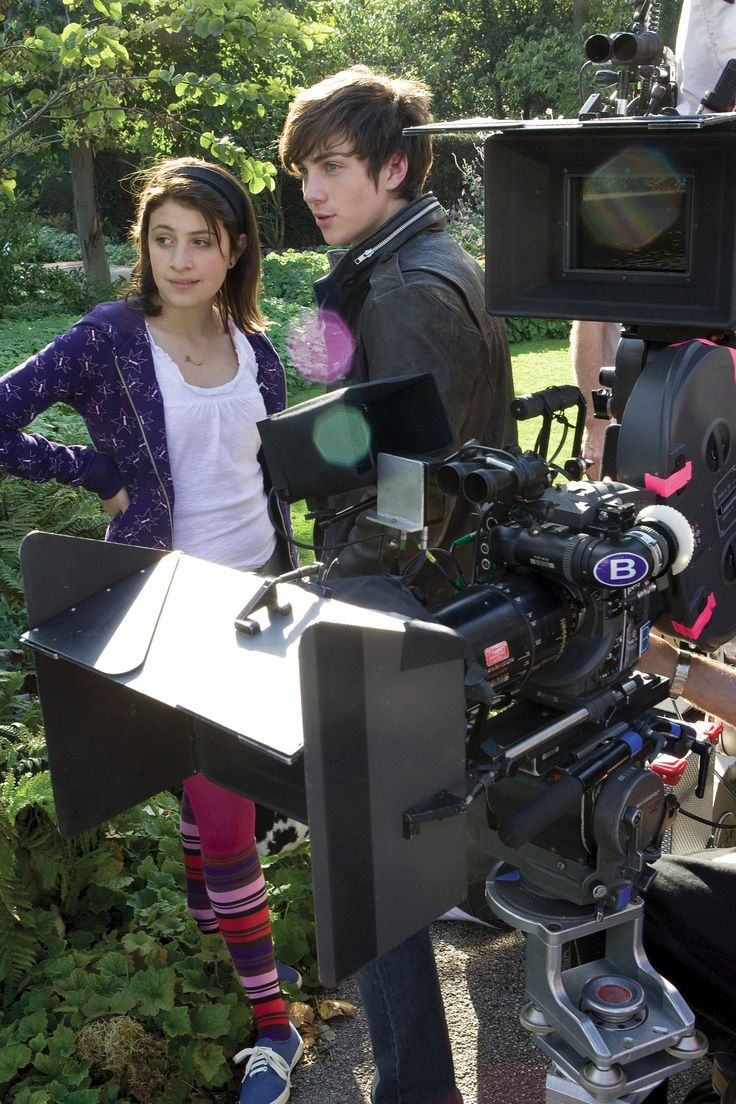 Aaron Johnson on the set of Angus, Thongs, and Perfect Snogging (2008).