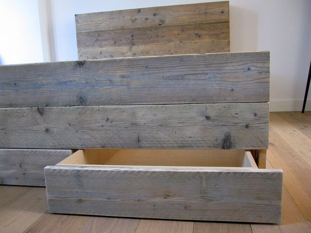 Bed 'Ortelius' | steigerhout | Te koop bij w00tdesign | Flickr - Photo Sharing!