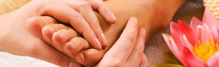 Na Conceito hef cabelo e Estética,utiliza-se da técnica de Reflexologia com pressão em certos pontos dos pés para atingir outras partes do corpo e da mente. Tel: (11) 3898.1217 / (11) 3081.4253 http://www.conceitohef.com.br/reflexologia