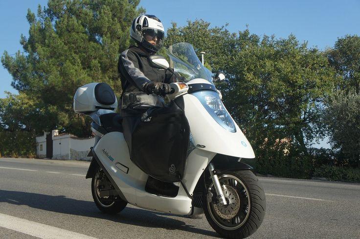Bénéficiez de 750€ de remise sur une Série Spéciale : scooter électrique catégorie 125 fabriqué en France.
