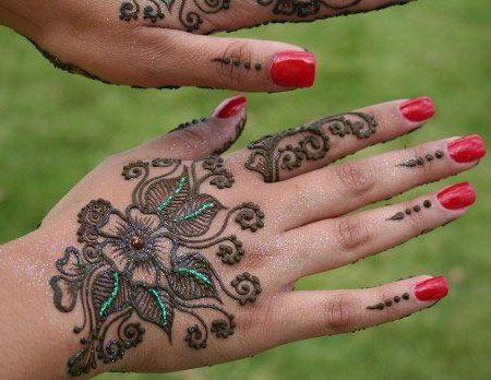 Best Glitter Mehndi Designs – Our Top 10