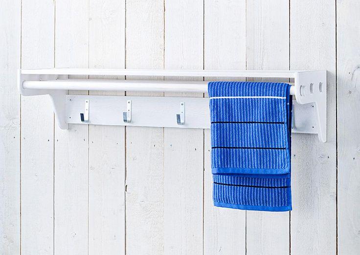 Pyyhkeet kuivuvat ja säilyvät kätevästi pienessä pyyhetelineessä. Katso Meidän Mökin ohje ja nikkaroi pyyheteline jämäpaloista!
