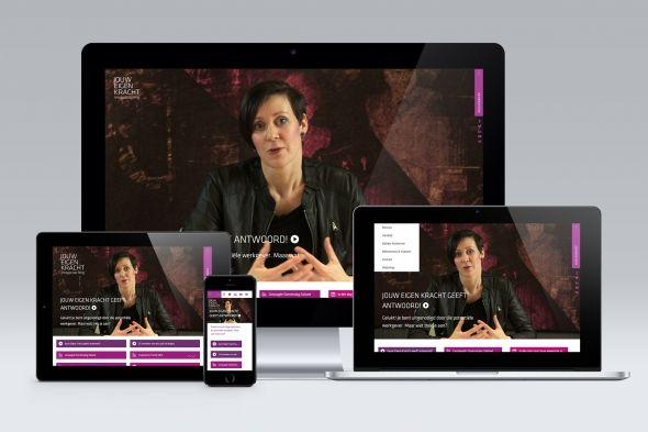 Website - Jouw Eigen Kracht: Meer dan 60% van de internetgebruikers maakt gebruik van een mobiel apparaat. Als ontwerper moet je daarom meer dan ooit rekening houden met de gebruiker. Dat doen we bijvoorbeeld voor Jouw Eigen Kracht. Samen met Oskam Webdevelopment zijn we tot een website gekomen die op elk apparaat goed te bekijken is. Daar zijn we best trots op. Bekijk 't maar op jouweigenkracht.nl