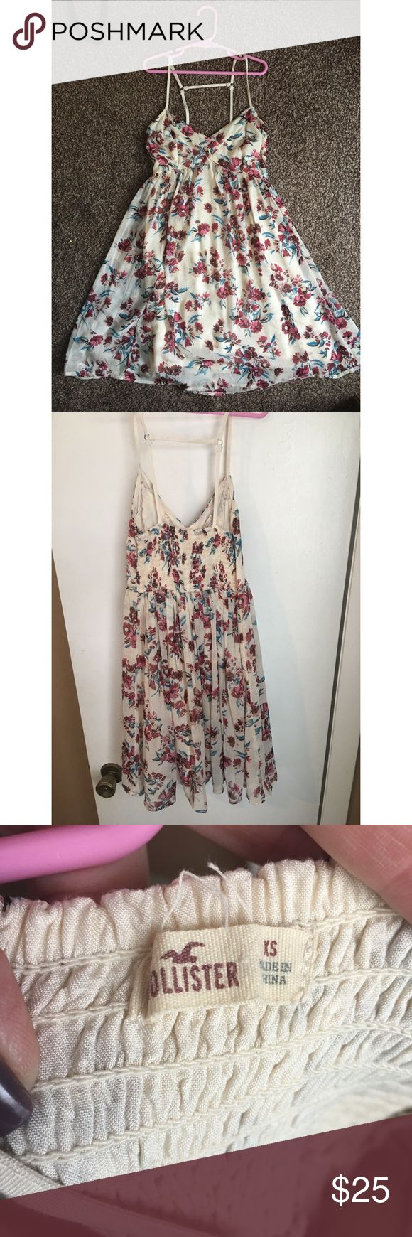Hollister Spagetti Strap Dress Darling hollister summer dress!! Cute floral pattern, fully lined with super cute strap detail! Size XS Hollister Dresses Mini