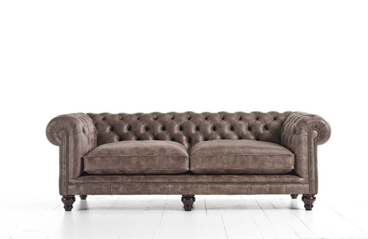 Interior Design Canape Chesterfield Cuir Canape Cuir Marron Distinctive Chesterfields Places En Vieilli Etageres Murales Chaise Longu Home Decor Furniture Sofa