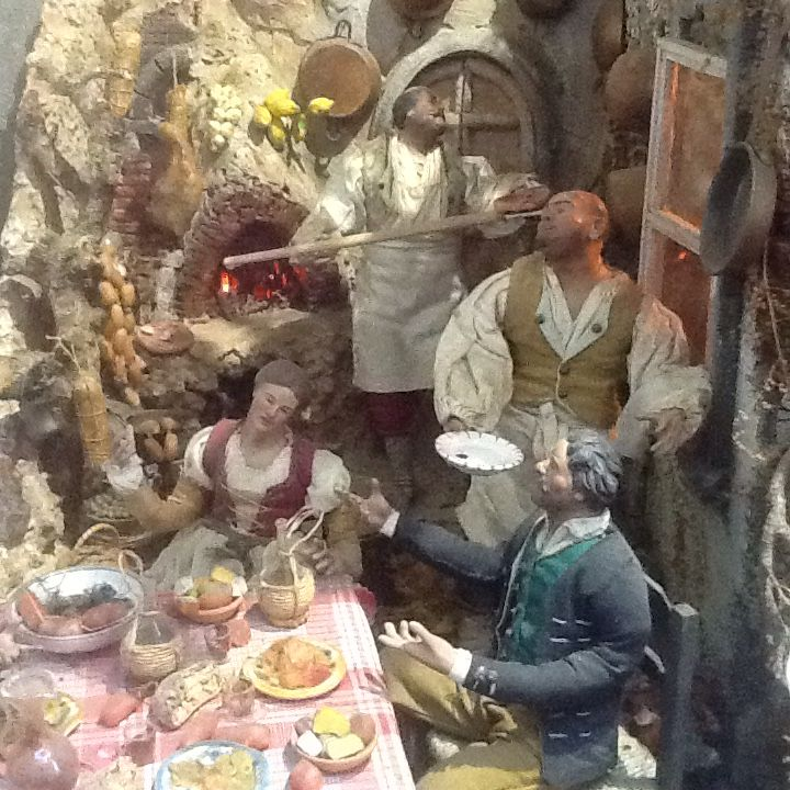 Part of a magnificent heirloom Neapolitan presepe... of course it wouldn't be complete without the osteria, pizzaiolo & oven
