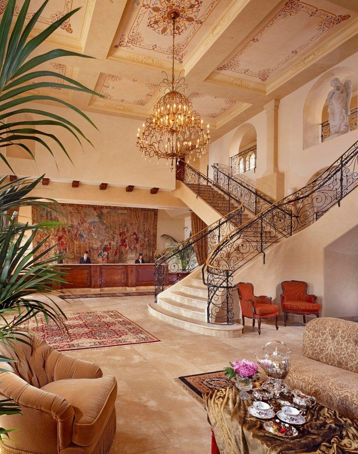 Ayres Hotel Manhattan Beach Lobby - European-inspired boutique hotel