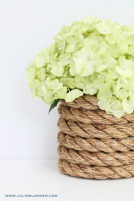 This rope vase is a great example of how different textures can make for a very special, unique feel.: Nautical Wedding, Blue Hydrangeas, Diy Nautical, Wedding Planners, Nautical Ropes, Diy Home, Decor Blog, Ropes Vase, Beaches Wedding