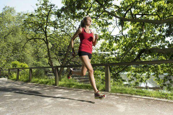 Quante calorie si bruciano in 60 minuti di attività fisica? Dalla corsa al nuoto - Repubblica.it