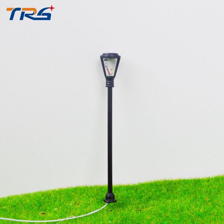HO Skala 1:100 Model Model lampu Taman Lampu Tiang Lampu Kepala Tunggal dengan Kabel dan Lampu untuk Landscape