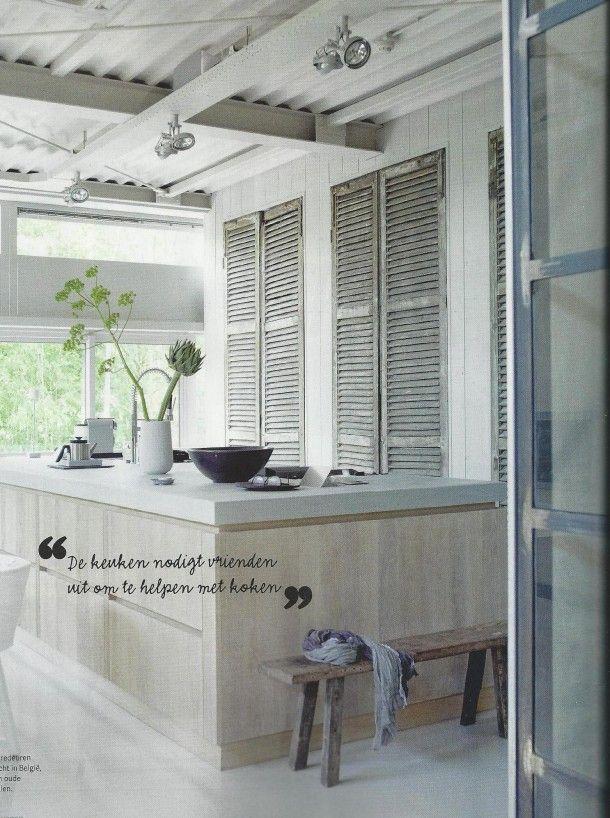 keuken | Prachtige keuken: stoer en brocante. Door selfa