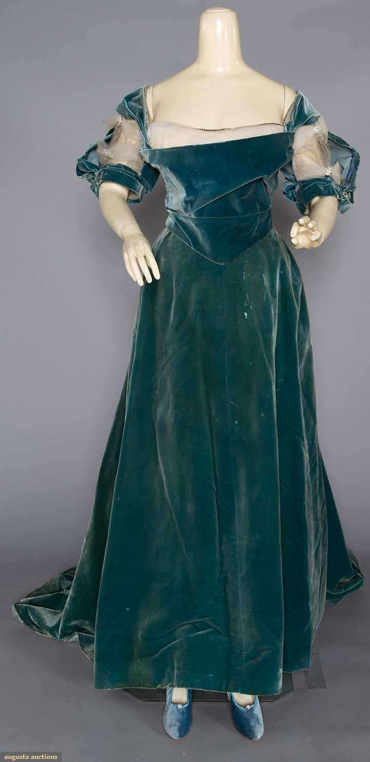 Evening Gown (image 1) | House of Worth | France; Paris | undated | velvet | Augusta Auctions | November 16, 2016